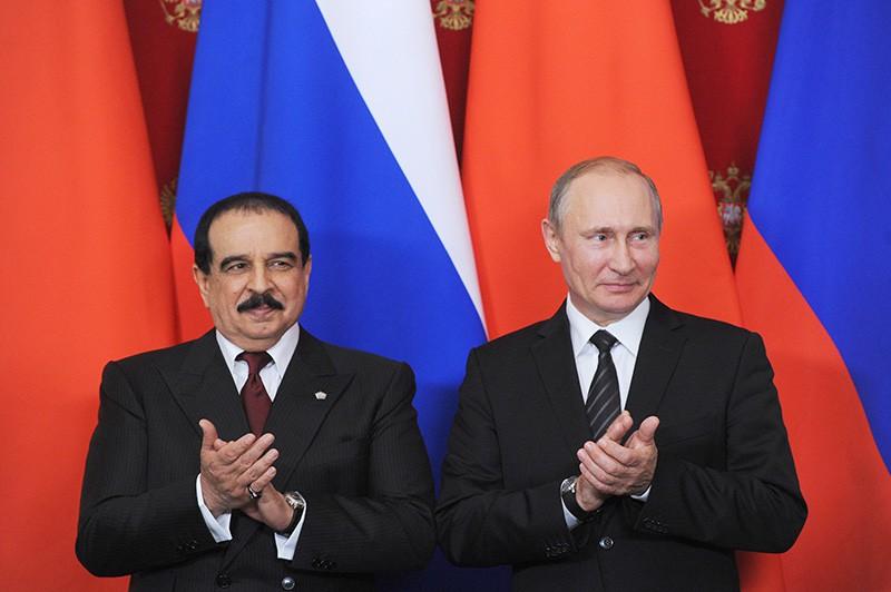 Президент России Владимир Путин и король Бахрейна Хамад Бен Иса Аль Халифа во время встречи в Кремле