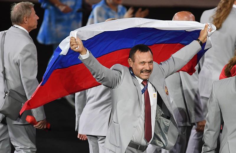 Картинки по запросу Российские олимпийцы флаг фото