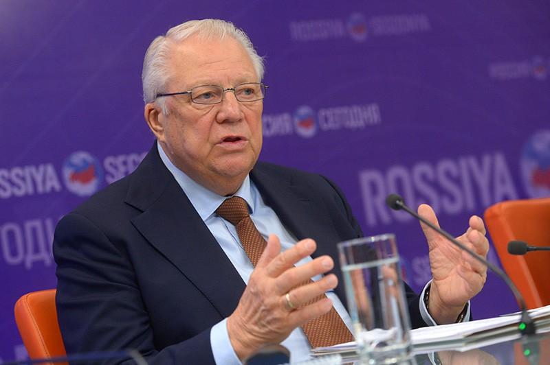 Глава антидопинговой комиссии ОКР Виталий Смирнов на пресс-конференции
