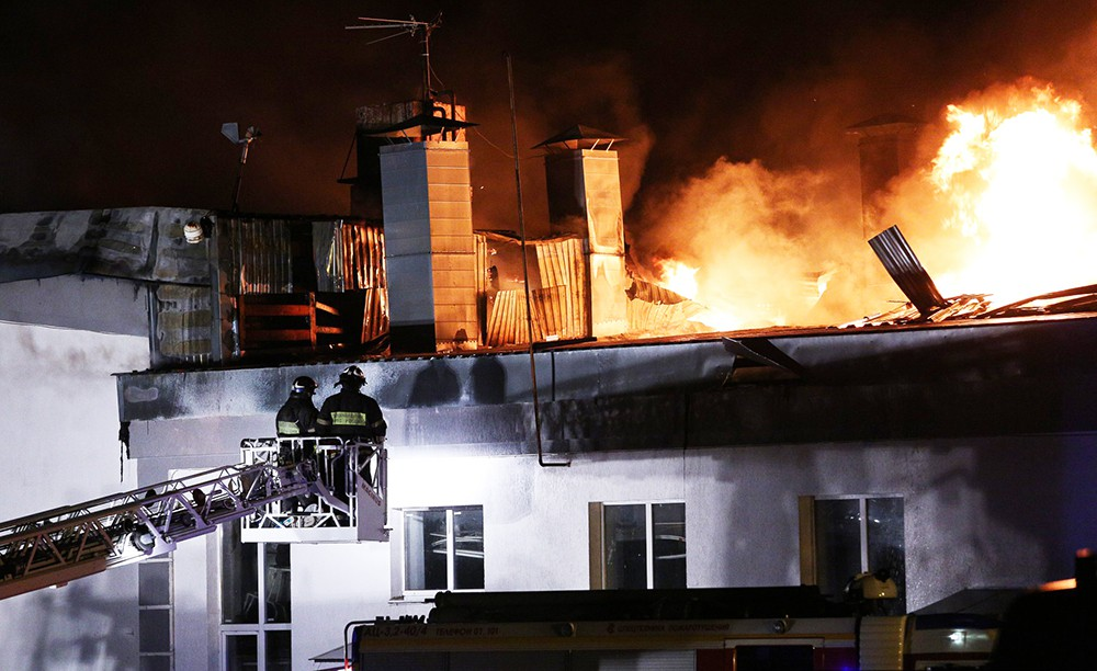 Ликвидация пожара на складе на востоке Москвы