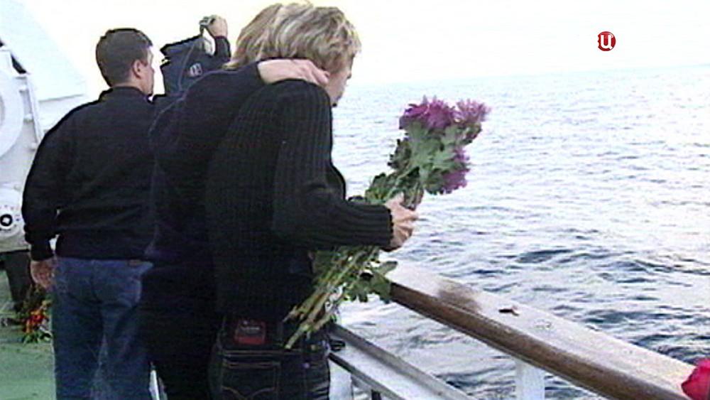 Траурные мероприятия по погибшим в авиакатастрофе Ту-154 в небе над Чёрным морем