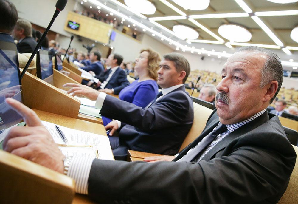 Депутаты на заседании Госдумы России