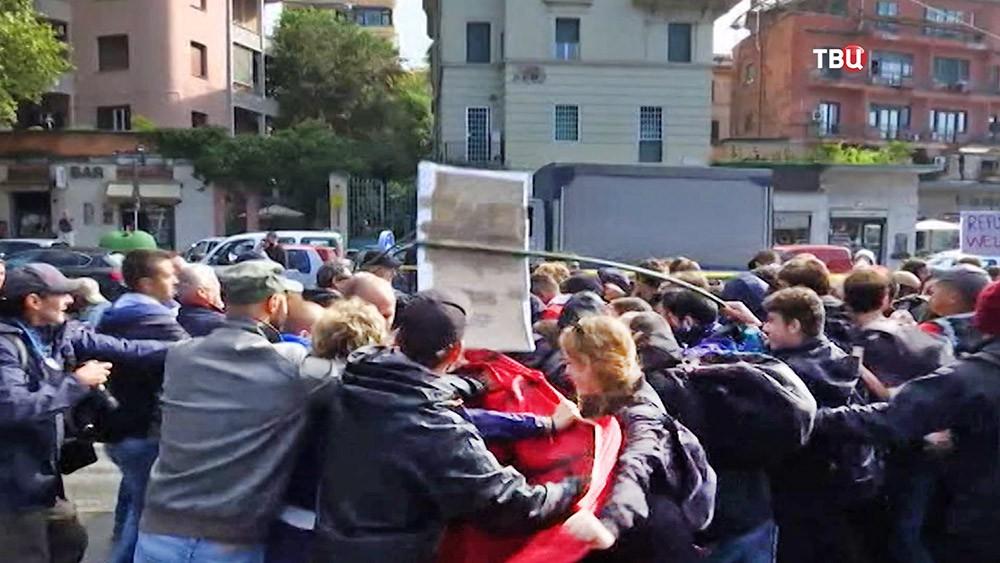 Уличные беспорядки в Италии