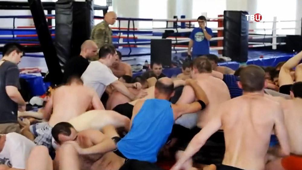"""Тренинг в спортклубе """"Спарта"""""""