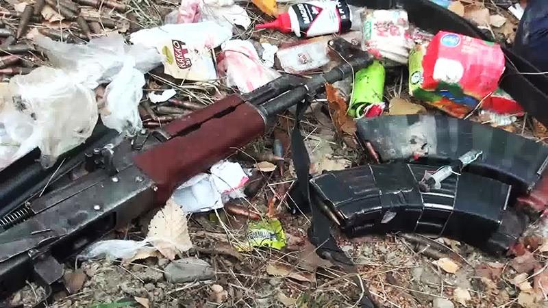 Вещи боевиков, нейтрализованных сотрудниками спецназа ФСБ