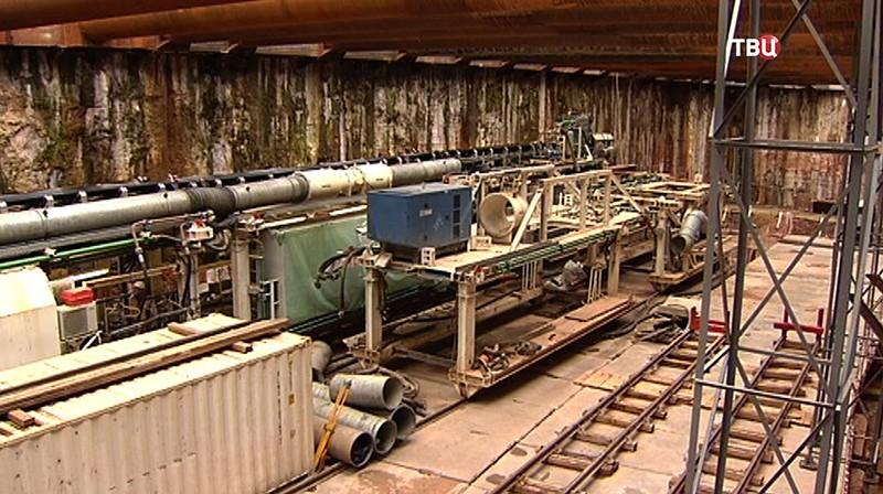 Прокладка тоннеля метро между станциями