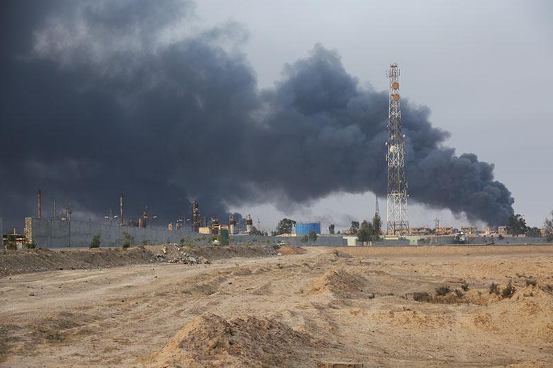 Нефтяные скважины около города Мосул, Ирак