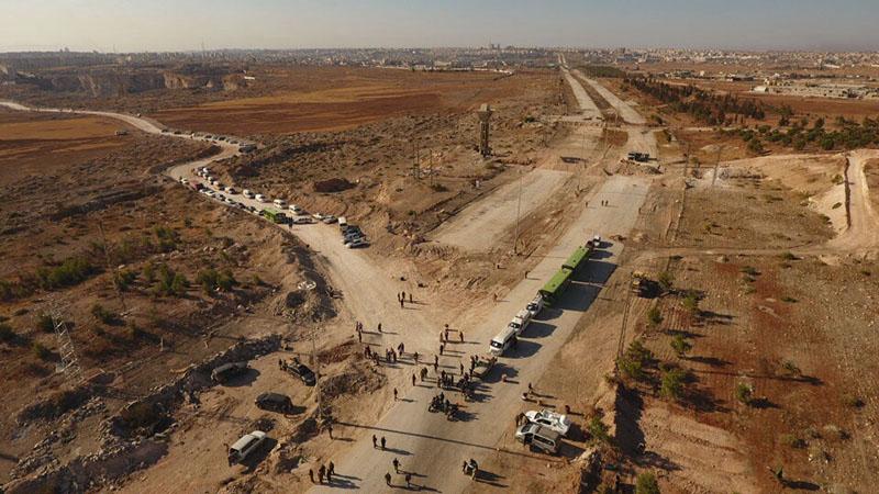 Гуманитарный коридор у трассы Кастелло на севере Алеппо в Сирии