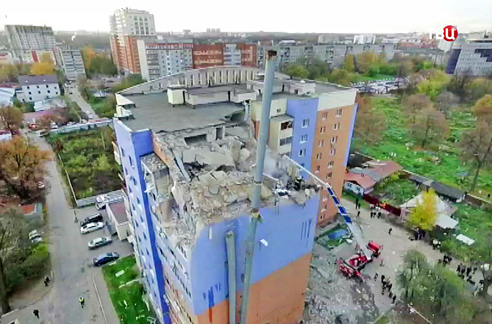 Последствия взрыва в многоэтажном здании в Рязани