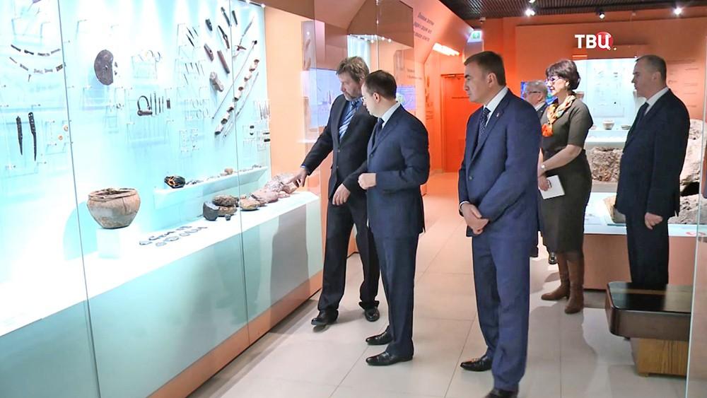 Министр культуры Владимир Мединский и губернатор Тульской области Алексей Дюмин посетили музейный комплекс на Куликовом поле