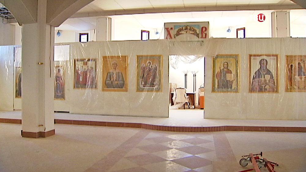 Иконостас в новом храме