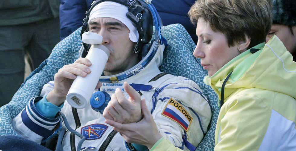 Российский космонавт Анатолий Иванишин