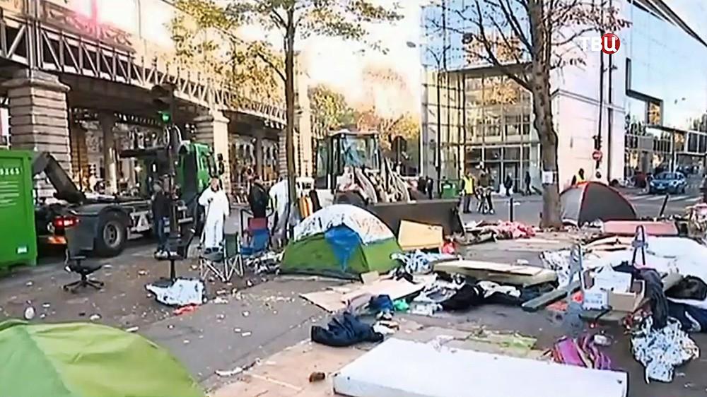 Снос палаточного городка мигрантов во Франции