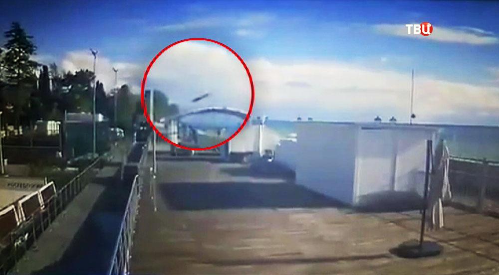ВСочи вертолет упал на дом