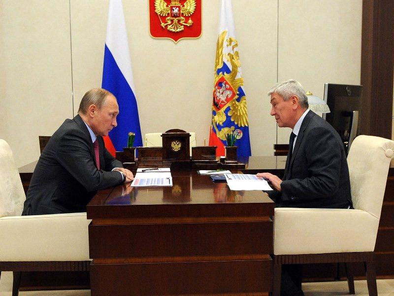 Владимир Путин с руководителем Росфинмониторинга Юрием Чиханчиным