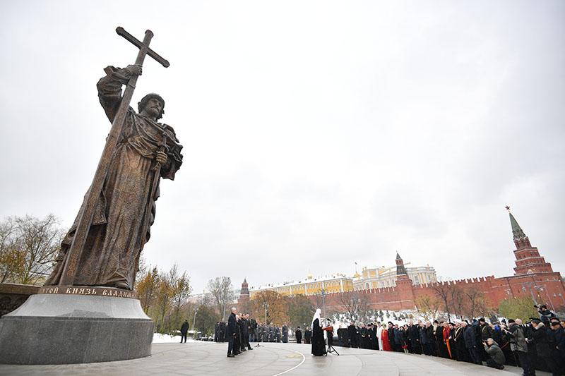 Памятники город владимир официальный сайт цена на памятник фото 4 кв м