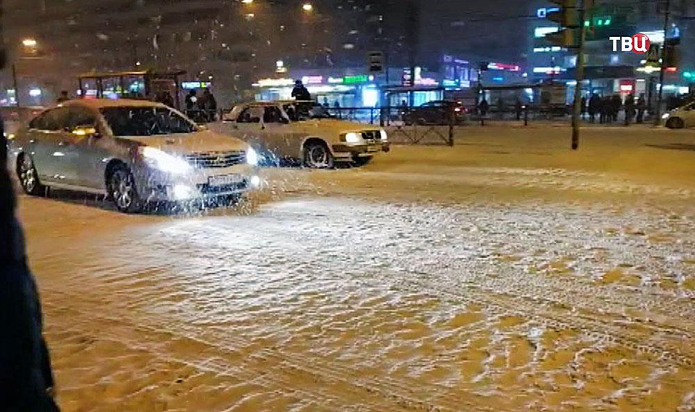 Последствия снегопада в Санкт-Петербурге