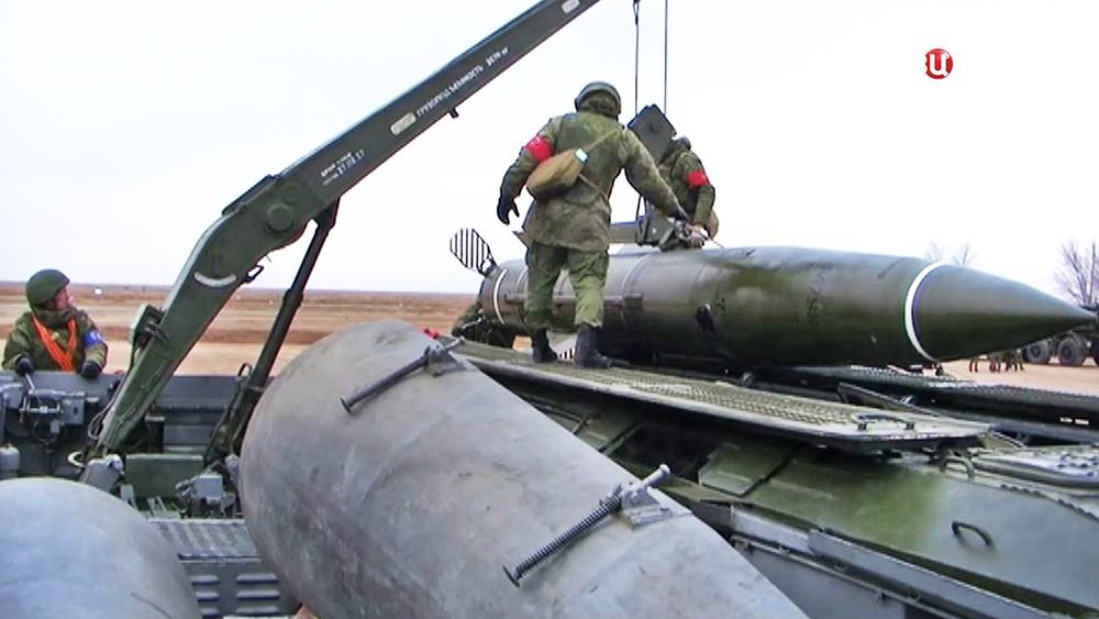 """Оперативно-тактических ракетных комплексов """"Искандер-М"""""""