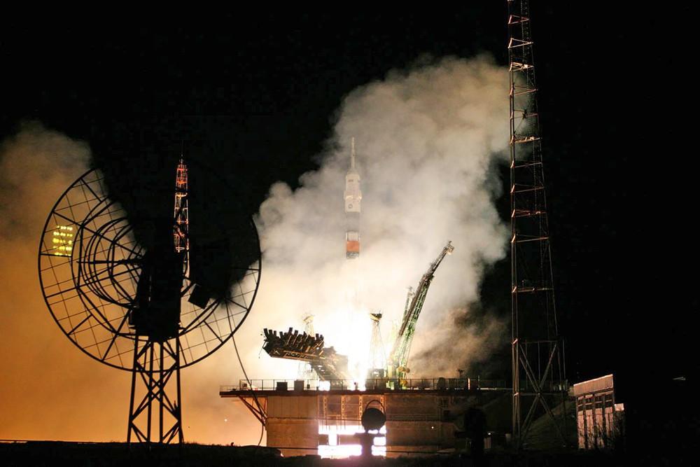 """Ракета-носитель """"Союз-ФГ"""" на стартовой площадке"""
