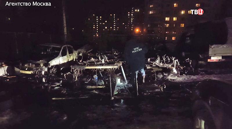 Пожар на парковке в Москве