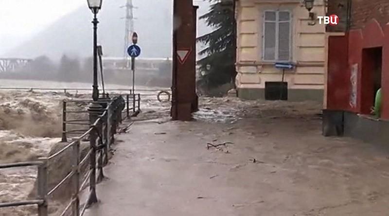 Проливные дожди вызвали наводнения насевере Италии
