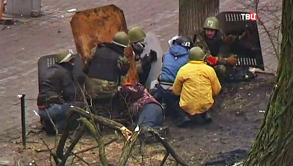 Столкновения с полицией во время беспорядков на Майдане 2014 года