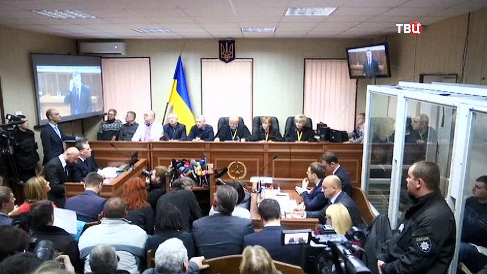 Видеотрансляция Виктора Януковича в украинском суде