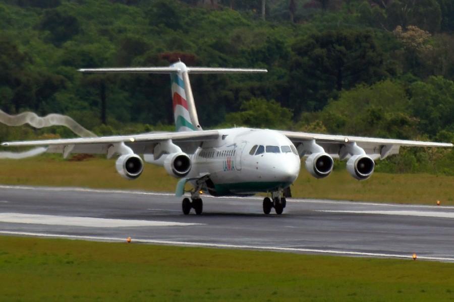 Самолет BAe-145 авиакомпании LAMIA