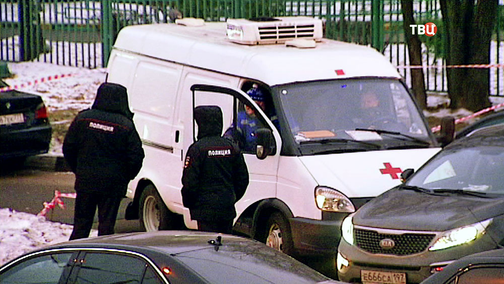 Полиция и врачи на месте происшествия