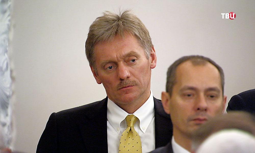 Рукотворная деградация: Песков дал оценку новым санкциям США противРФ