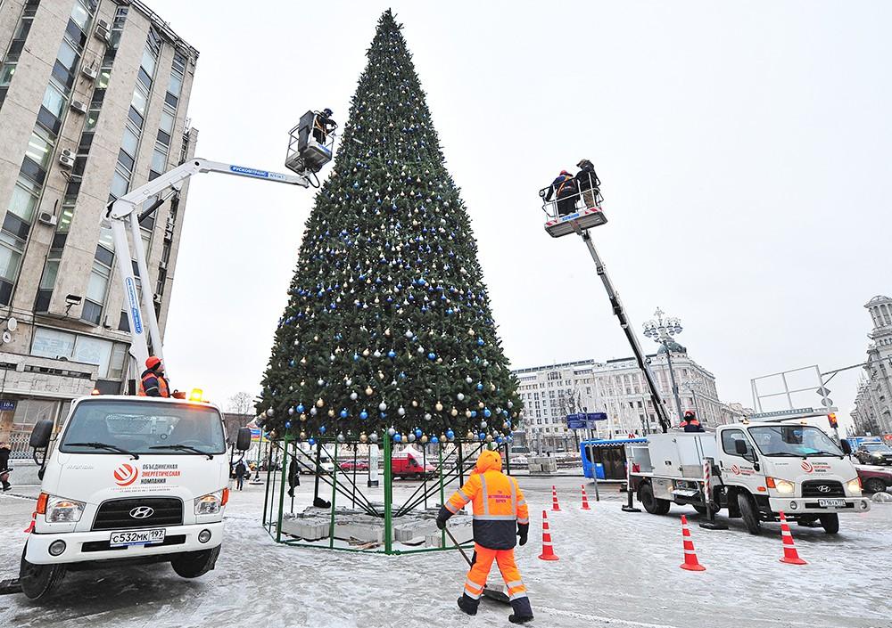 Подготовка Москвы к Новому году и Рождеству