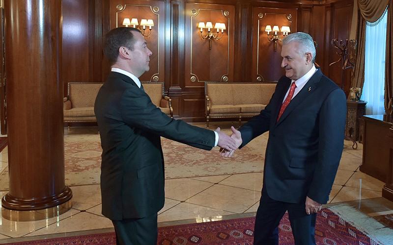 Урегулирование конфликта вСирии является приоритетной задачей для РФ иТурции— Медведев