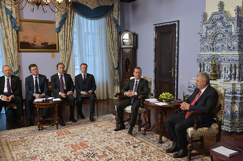 Председатель правительства РФ Дмитрий Медведев и премьер-министр Турции Бинали Йылдырым