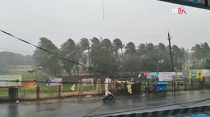 ВИндии разрушительный шторм забрал жизни 7-ми человек