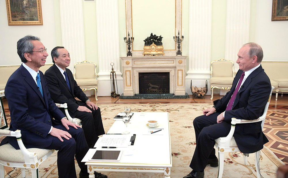 Владимир Путин даёт интервью телекомпании Nippon Television Network Corporation и газете Yomiuri Shimbun