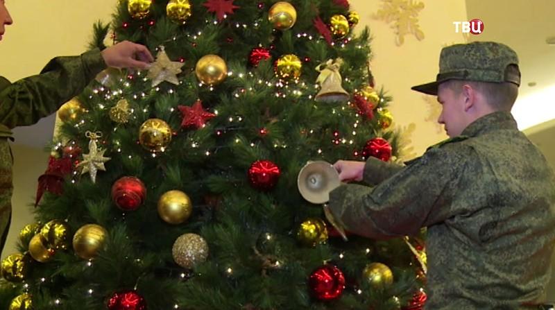 "Новогодняя елка на авиабазе ""Хмеймим"""