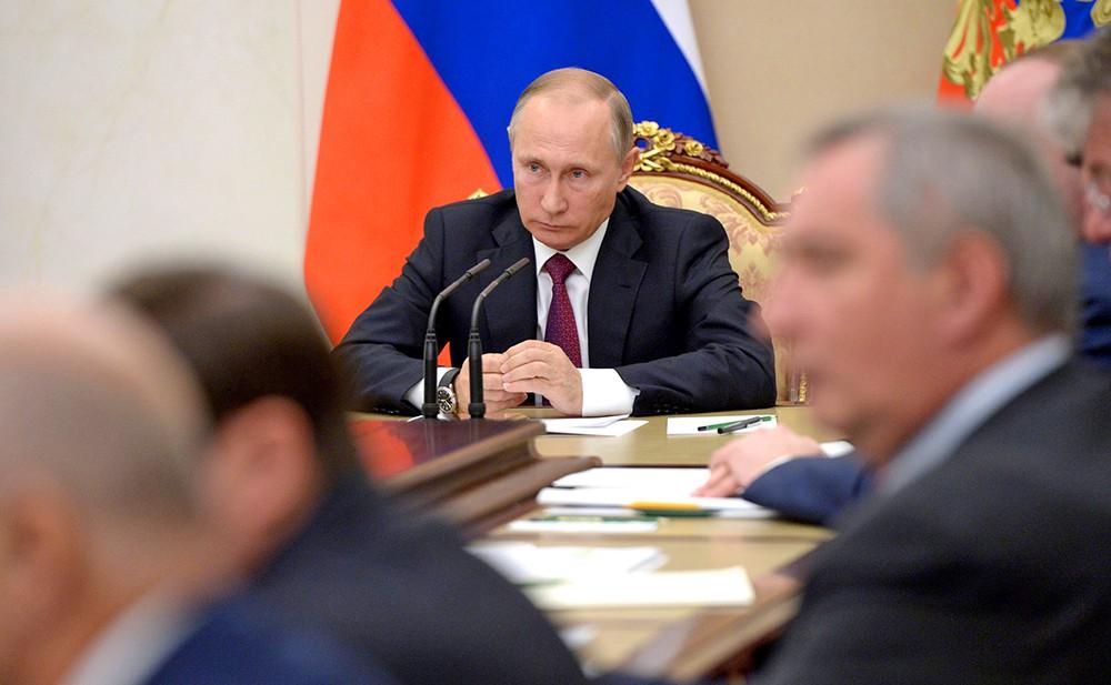 Член в кремле фото правы