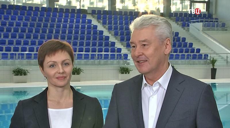 Сергей Собянин осматривает новый бассейн