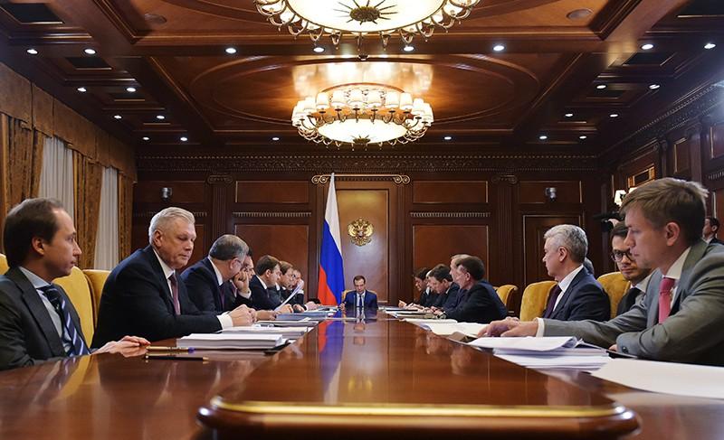 Русские компании станут нести менее затрат навнешних рынках— Медведев