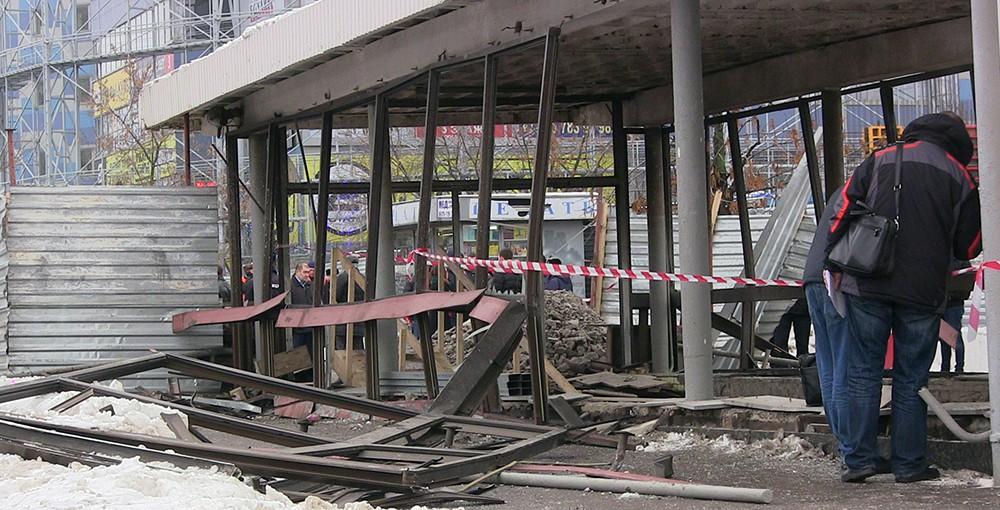 """Последствия взрыва газового баллона в переходе станции метро """"Коломенская"""""""