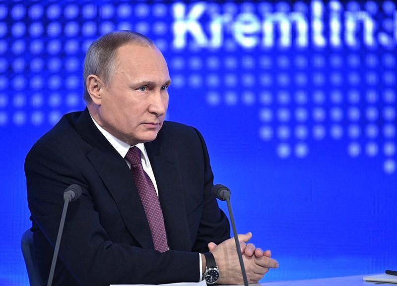 Путин поведал, как будет принимать решение обучастии ввыборах Президента России