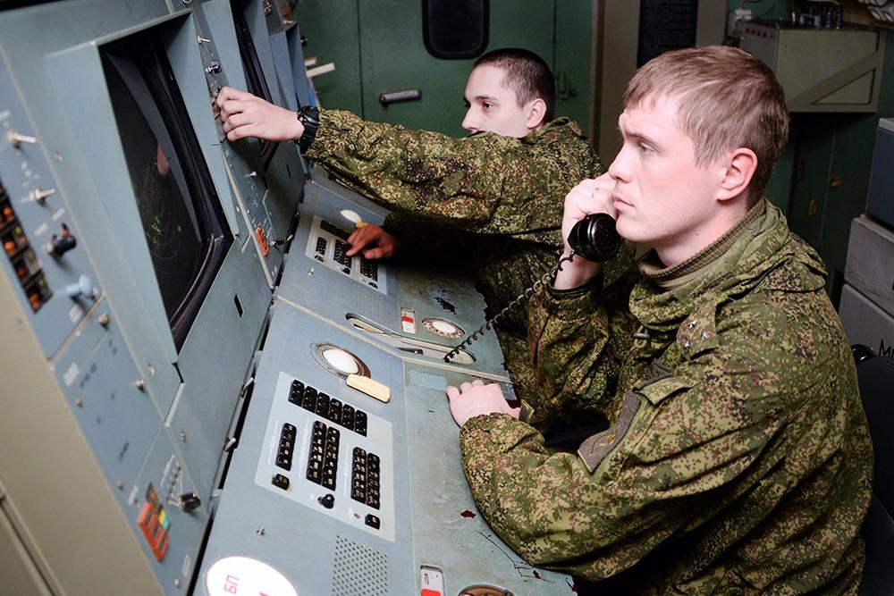 Работа радиотехнических войск ВКС России