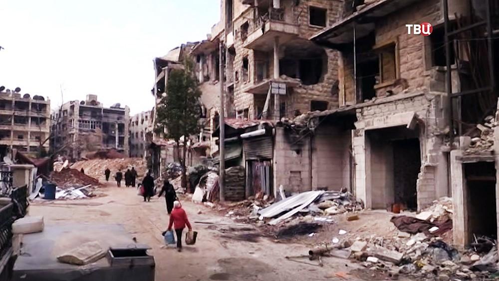 Прогремели взрывы рядом своенным аэропортом вДамаске