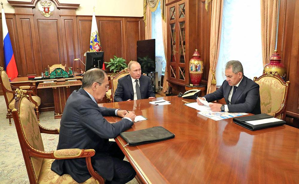 Владимир Путин, Сергей Шойгу и Сергей Лавров