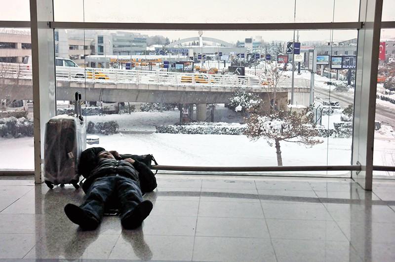 Задержка рейсов из-за снегопада в Турции