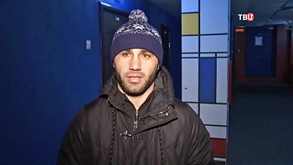 Задержанный за стрельбу из автомата Омар Омаров