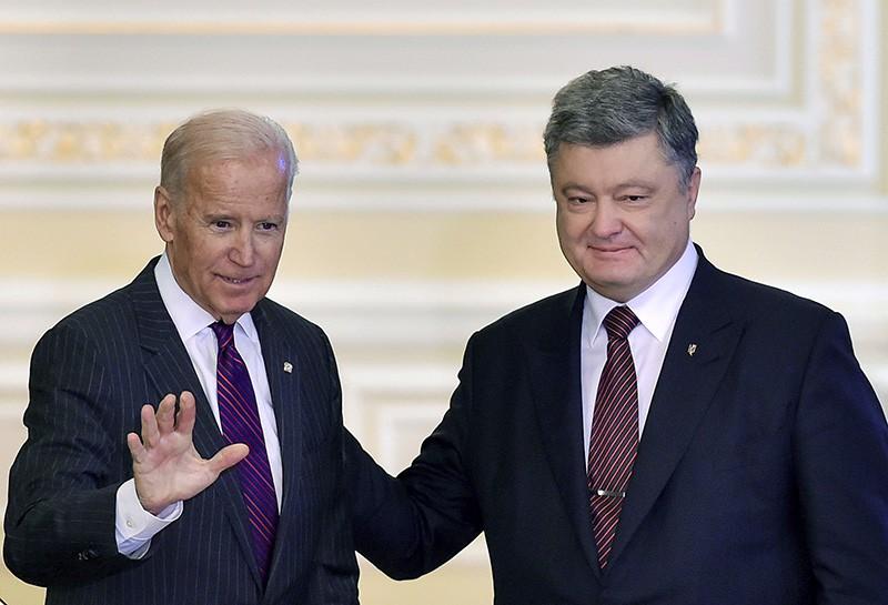 Президент Украины Петр Порошенко и вице-президент США Джо Байден во время встречи в Киеве