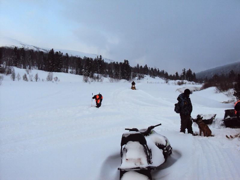 Два туриста погибли под снежной лавиной вМурманской области