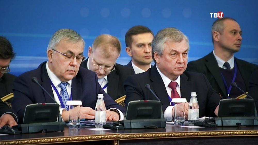 Российская делегация на переговорах по урегулированию конфликта в Сирии в Астане