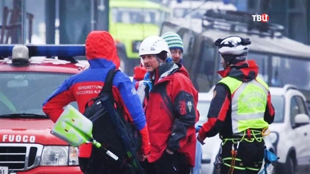 Спасатели Италии на месте происшествия